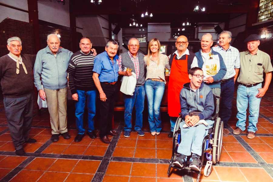 Encuentros con el Club de Leones Internacional y Adultos Mayores